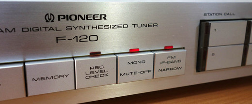 Pioneer_f12035