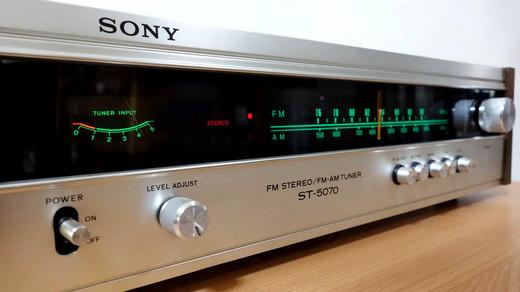 Sony_st507003